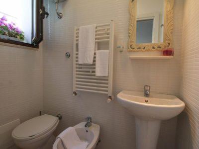 Casa Vacanze con bagno Monopoli - Orchidea - Casa dei Fiori - My Monopoli